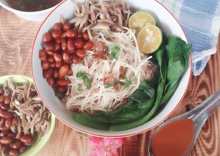 Sup Mie Asin ala Singkawang (Misoa)