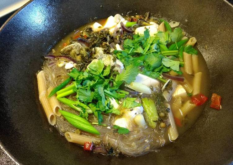 Recipe of Perfect Pickled green and tofu bass soup雪菜豆腐鲈鱼汤