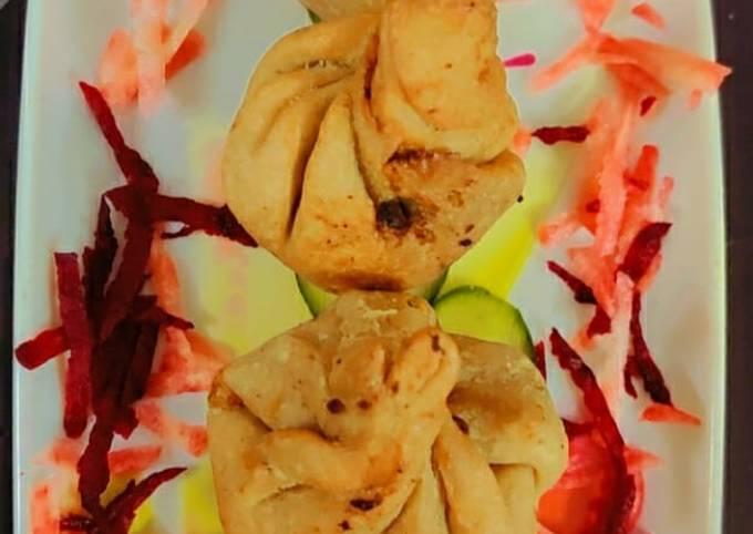 Wheat veggie fried momos