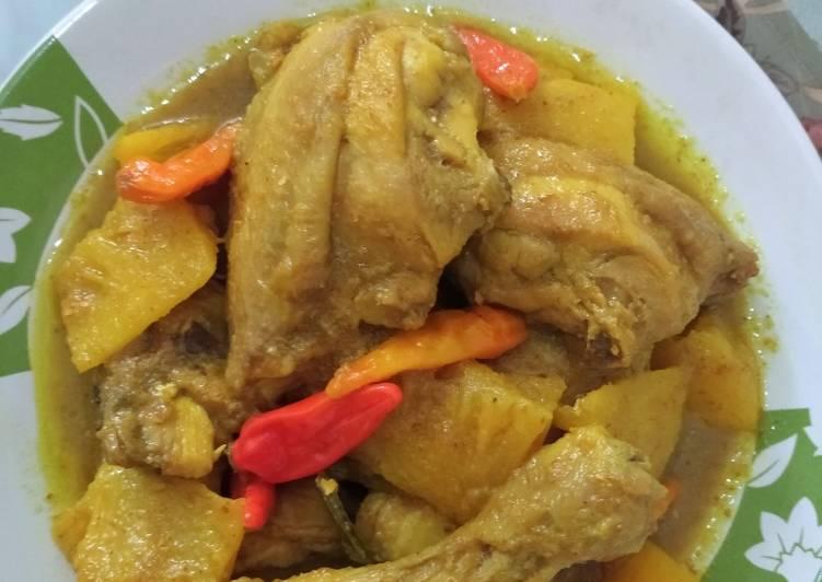 Gulai Ayam Nanas