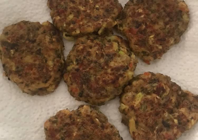 Chicken Zucchini Veggies Fritter alias Dadar Goreng Isi Ayam dan Sayur BLW Mpasi
