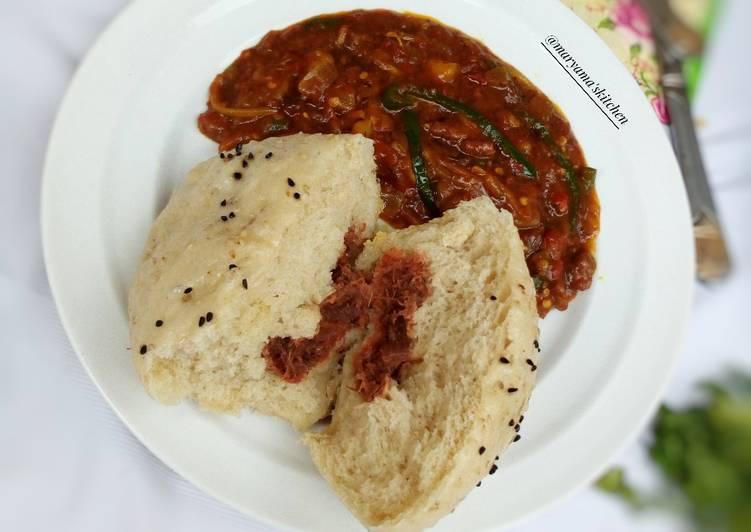 Meat stuffed alkhubus with potatoe vegetable shorba