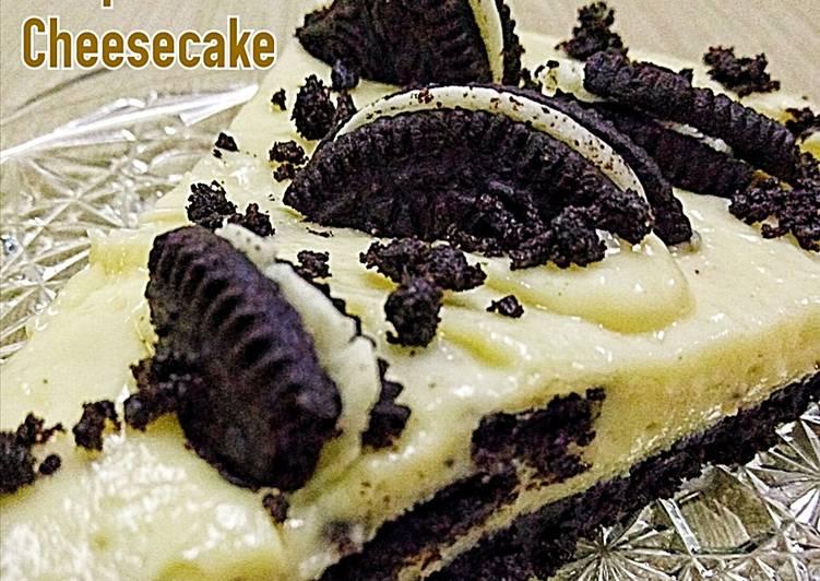 Simple Oreo Cheesecake (Cheereo Cake)