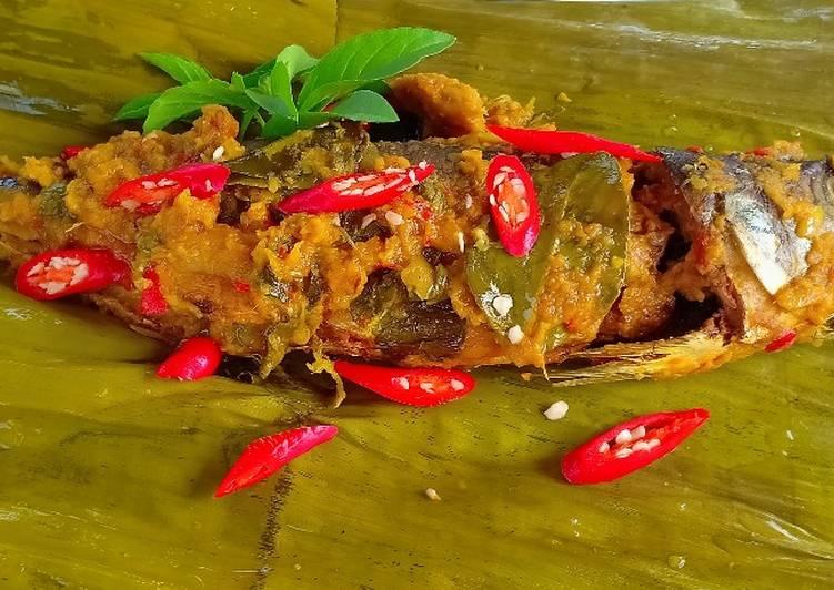 Pepes Ikan Salmon Bu.Ning (Bumbu kuNing)
