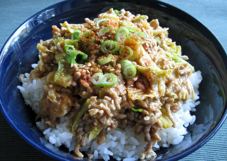 Steps to Make Favorite Stir-fried Pork Mince & Cabbage with Spicy Miso Sauce