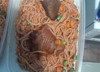How to Prepare Perfect Spaghetti with chicken carrots and green peas