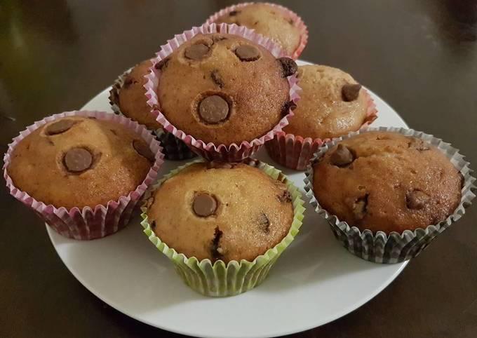Banana muffin chocolate chips