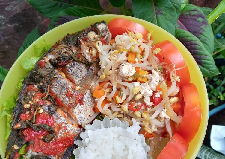 BEKAL DIET (Mujair Bakar Kemangi + Oseng Cambah Wortel Tahu)
