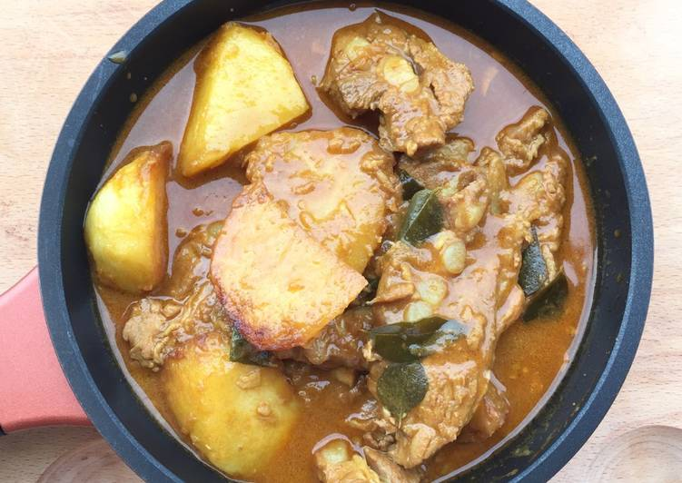 Easiest Way to Prepare Ultimate Soft Pork Rib And Potato Curry