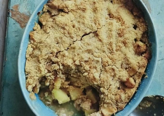 Apple and Cinnamon Crumble