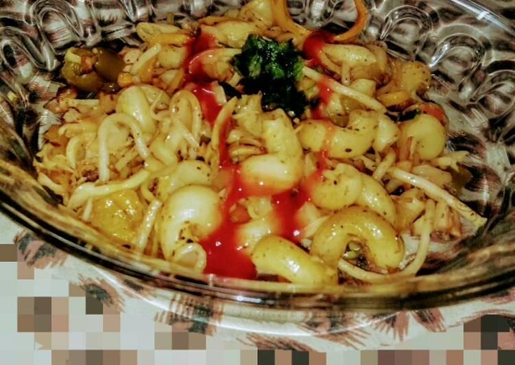 Spicy chicken macaroni with spaghetti