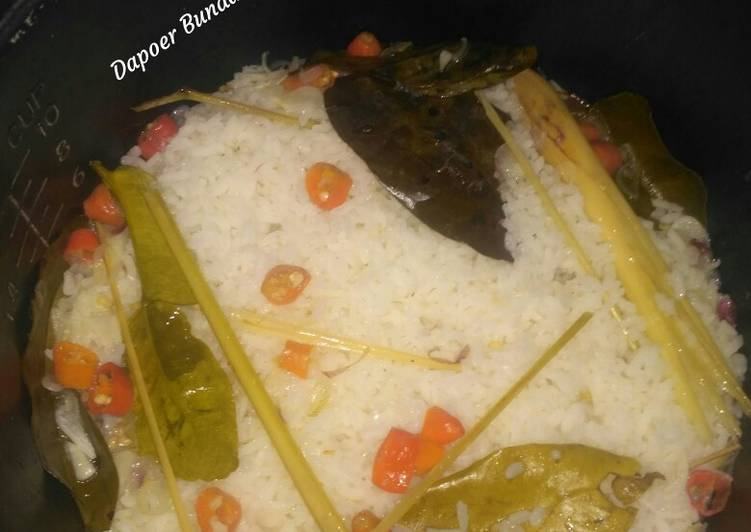 Cara membuat Nasi liwet pedas sederhana (sesederhana hati ku..)