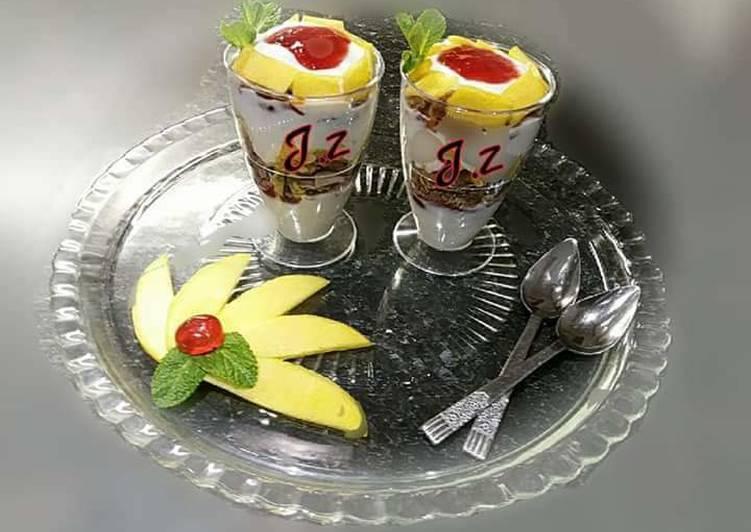 Recipe of Most Popular 🍧🍊🍌🍇🍓Yoghurt Mango & Granola Parfait🍇🍓🍊🍌🍧
