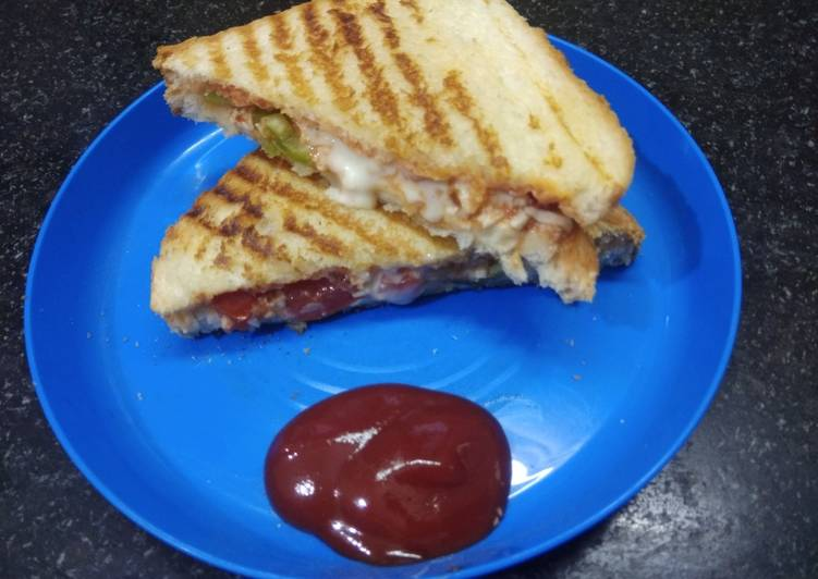 Steps to Make Quick Grill paneer sandwich