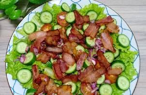 Salad thịt xông khói