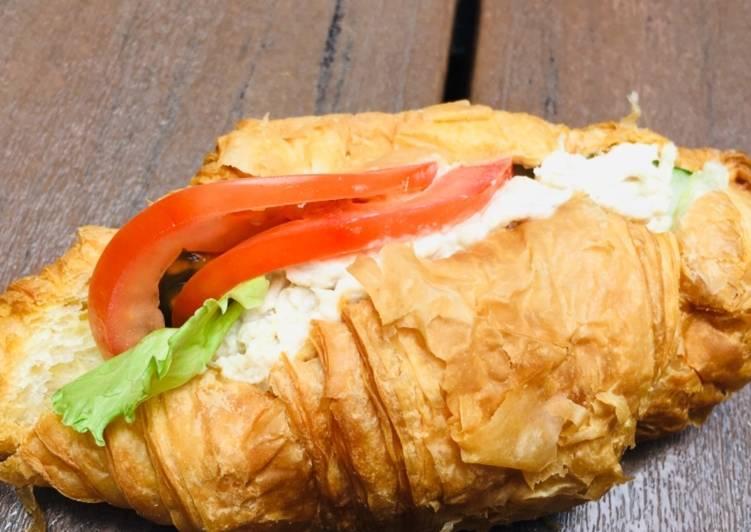 Croissant Chicken Sandwich