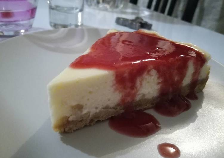 Cheese cake et coulis de framboises