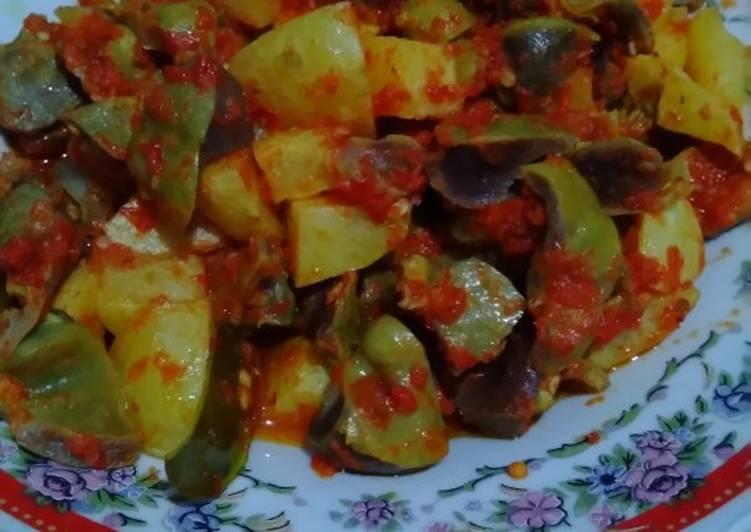 Balado kentang & ampela