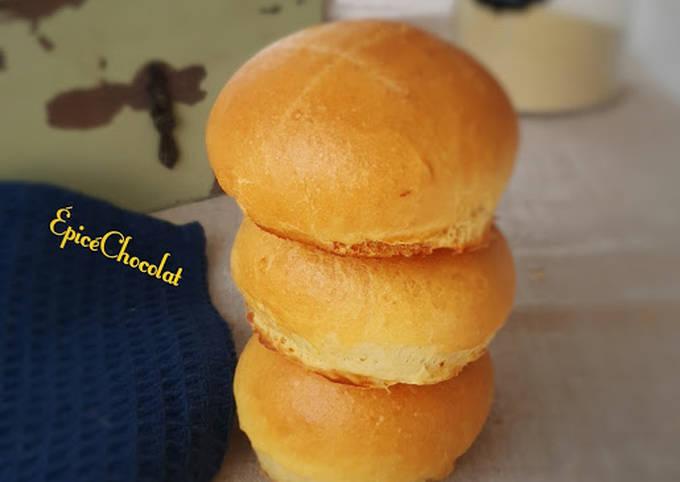 Mini pains a la semoule et a la crème