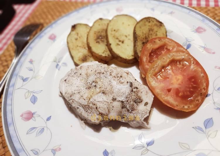 Roasted Chicken & sliced Potato - cookandrecipe.com