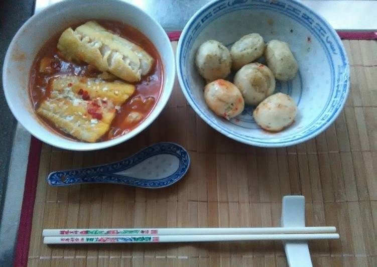 Japanse  steamed smoke haddock fillets in sake thai sweet chilli sauce japanese sticky yakiniku sauce with dough garlic balls steamed