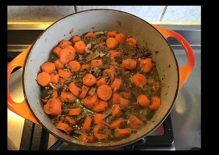 Bœuf haché aux carottes cumin persil et oignons