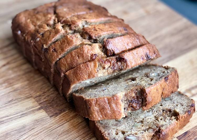 Simple Way to Prepare Any-night-of-the-week Chocolate Chip & Walnut Banana Bread