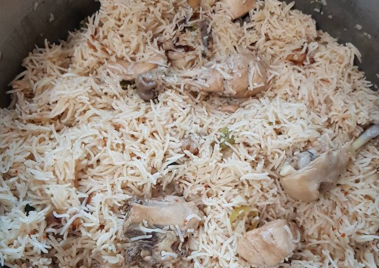 Steps to Prepare Perfect Chicken yakhni pulao