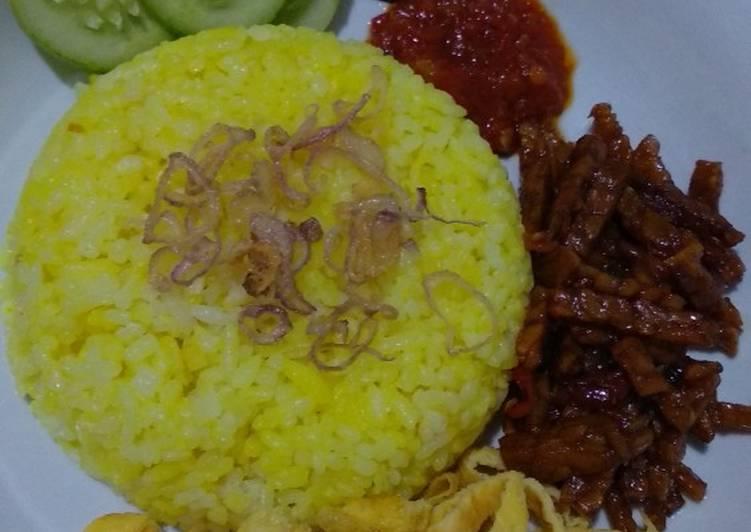 Nasi kuning simpel rice cooker