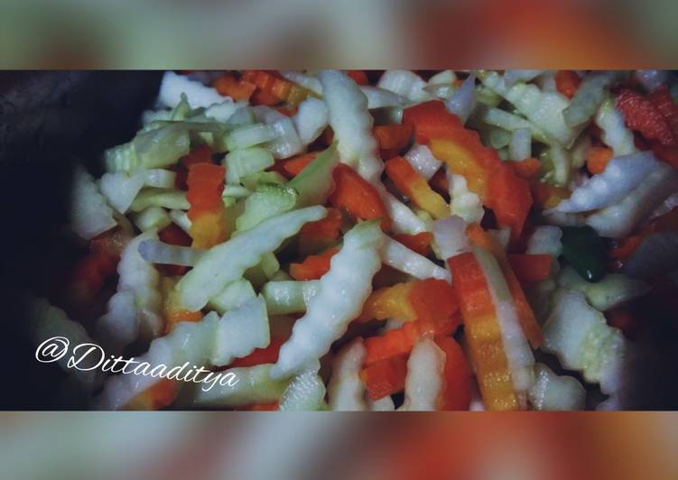 Acar wortel dan timun