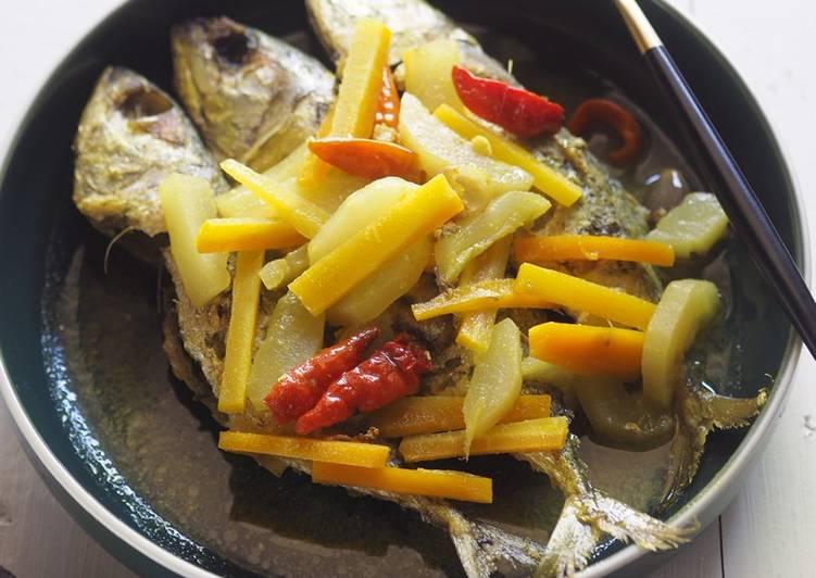 Ikan Kembung Acar Kuning