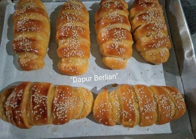 Roti manis isi pisang dengan metode tangzhong