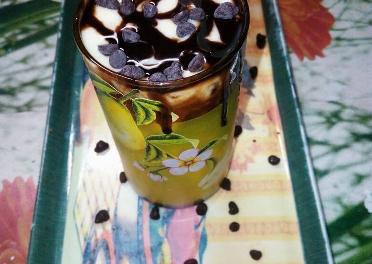 Mango chocolate smoothie