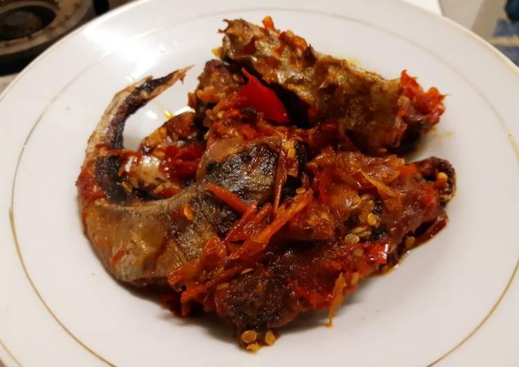 Sambal ikan tongkol/tuna (berambang ikan banyuwangi)