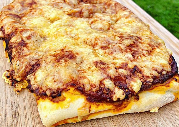 Chrisbie's Pizzabombe a la Bolognese