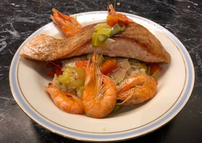 Salmon Risotto with Prawns