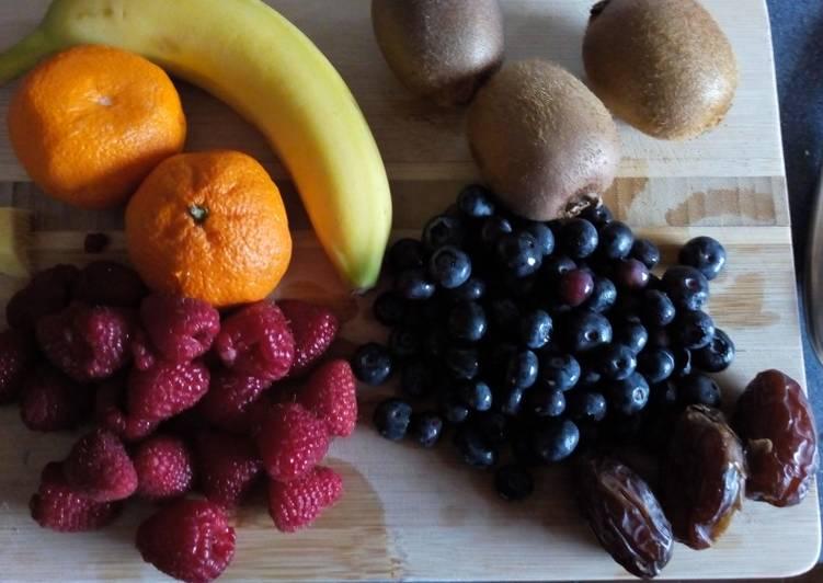 Random fruit smoothie
