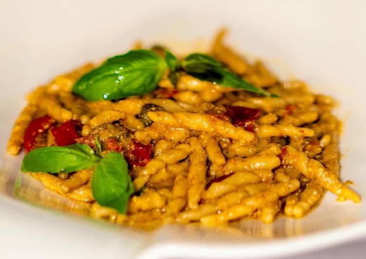 Ricetta Trofie Integrali Fresche al Pesto Vegan di Mandorle