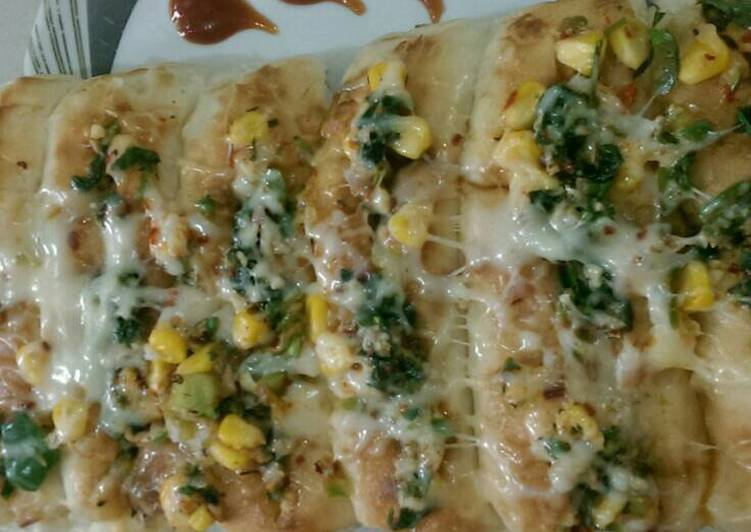 Cheese corn garlic bread