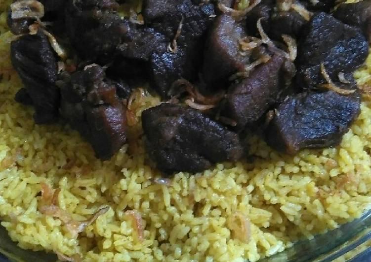 Nasi briyani porsi jumbo