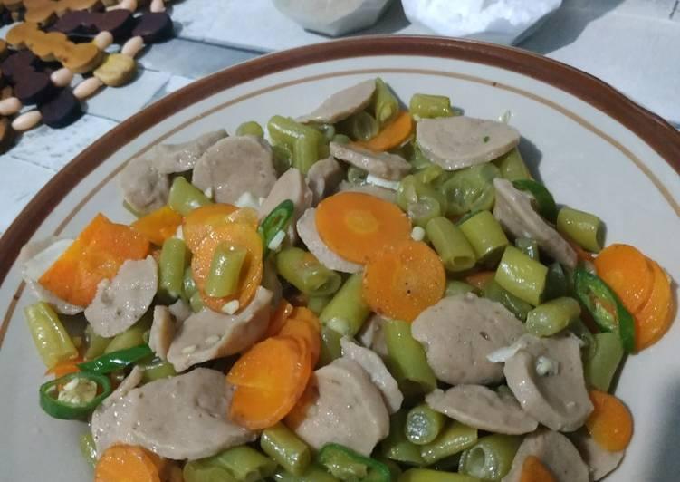 Tumis bakso sayur cabe hijau