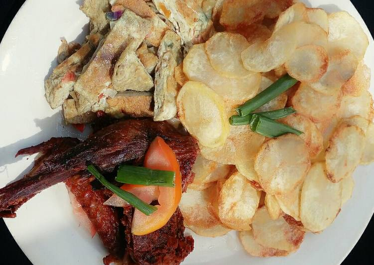 Chips with egg & roasted chicken Choosing Fast Food That's Very good For You