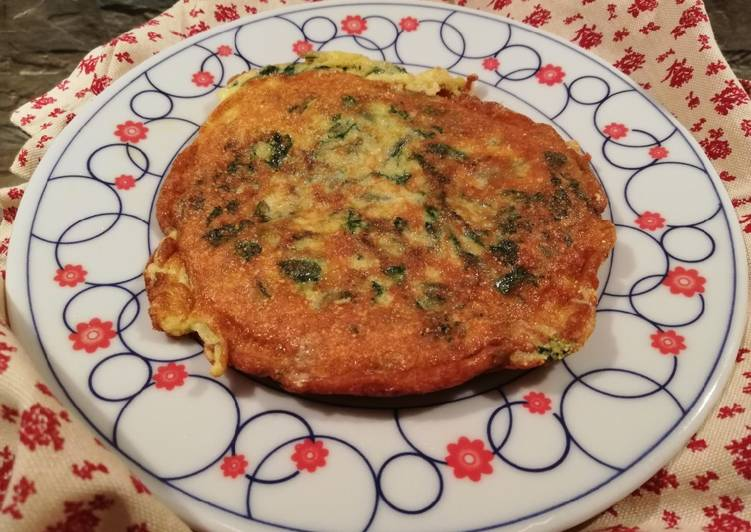 Baby polenta omelette with spinach