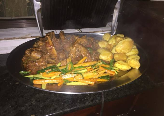 Kienyeji chicken,roasted potatoes and veggies