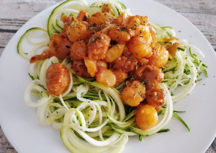 Espaguetis de calabacín con patatas y carne