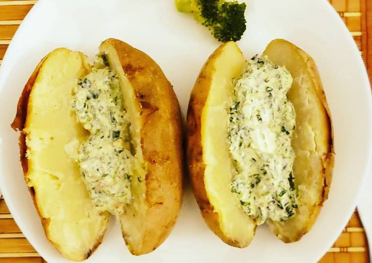 Recipe: Tasty Baked potatoes and creamy cheese spinach dip