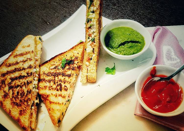 Grill paneer sandwich