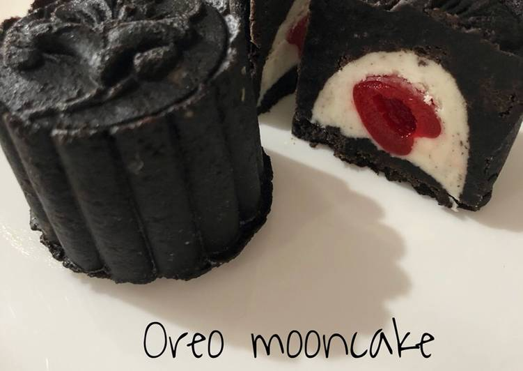 Oreo mooncake with Cherry Filling