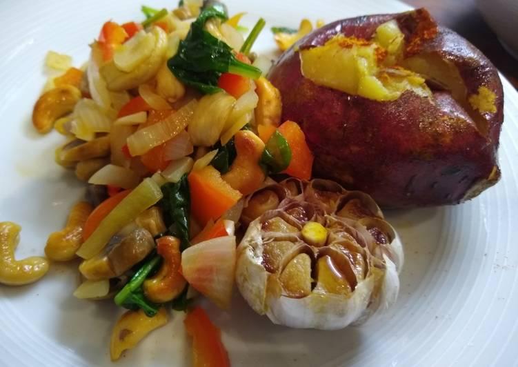 Baked Sweet Potato, Roasted Garlic & Mixed Vegetables