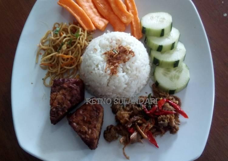 33a* Nasi gurih/lemak (rice cooker)
